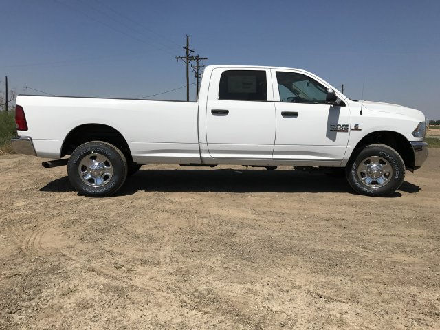2017 Ram 3500 Crew Cab 4x4 Pickup #C786198 - photo 5