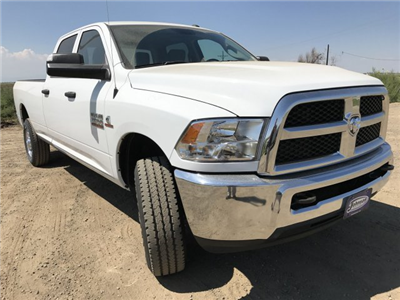 2017 Ram 3500 Crew Cab 4x4 Pickup #C786198 - photo 4