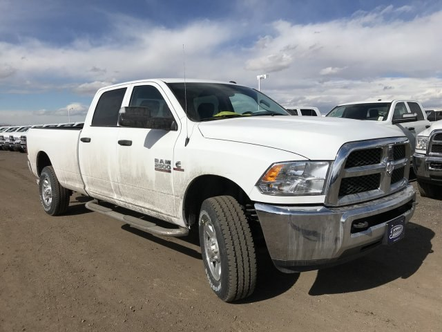 2018 Ram 2500 Crew Cab 4x4, Pickup #C809180 - photo 4