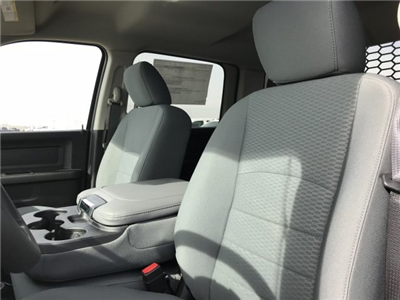 2018 Ram 5500 Crew Cab DRW 4x4, Platform Body #C819953 - photo 9