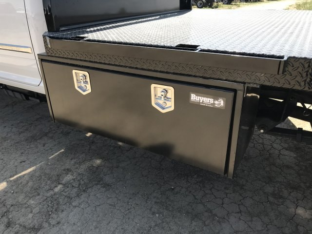 2018 Ram 5500 Crew Cab DRW 4x4,  Platform Body #C824973 - photo 8