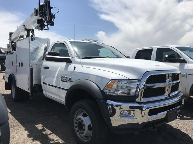 2018 Ram 5500 Regular Cab DRW 4x4,  Iowa Mold Tooling Mechanics Body #C824975 - photo 4
