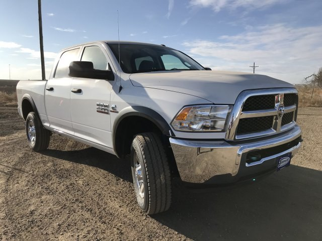 2018 Ram 2500 Crew Cab 4x4, Pickup #C825459 - photo 4