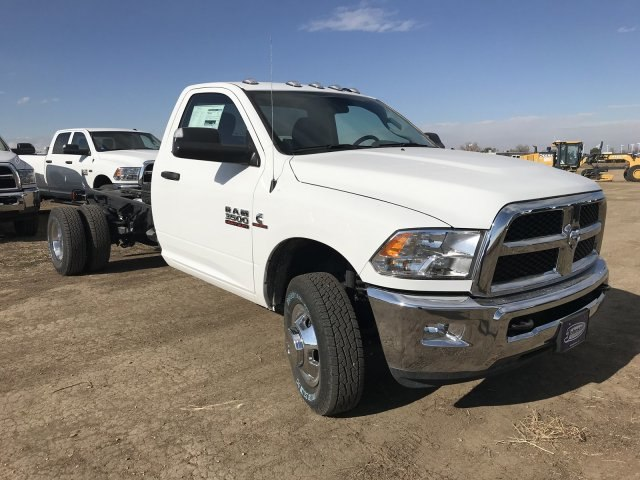 2018 Ram 3500 Regular Cab DRW 4x4,  Cab Chassis #C831795 - photo 4