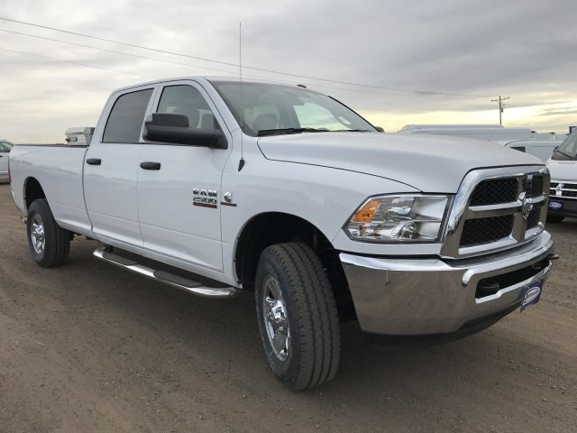 2018 Ram 2500 Crew Cab 4x4, Pickup #C861335 - photo 4