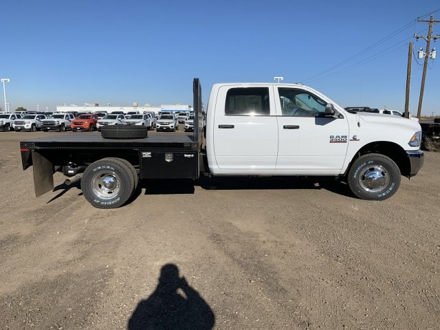 2018 Ram 3500 Crew Cab DRW 4x4,  Knapheide Platform Body #C862761 - photo 4