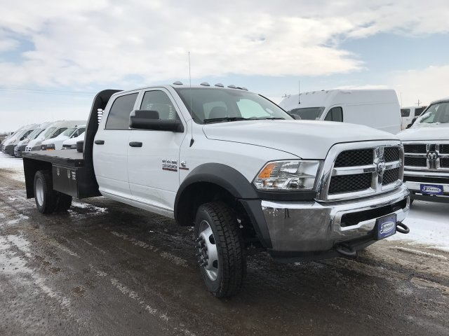 2018 Ram 5500 Crew Cab DRW 4x4, Platform Body #C871049 - photo 4