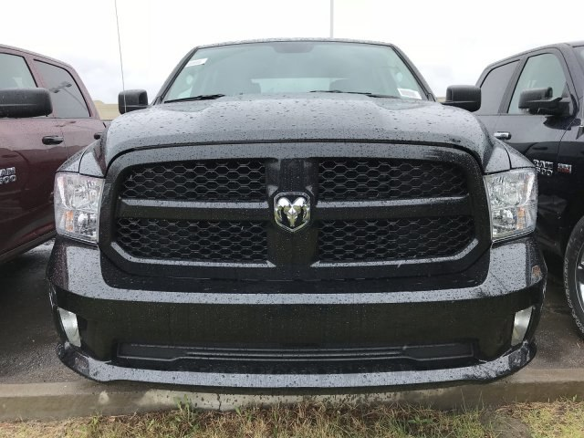 2018 Ram 1500 Crew Cab 4x4,  Pickup #C874687 - photo 3