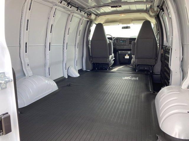 2020 GMC Savana 2500 4x2, Empty Cargo Van #G059225 - photo 2