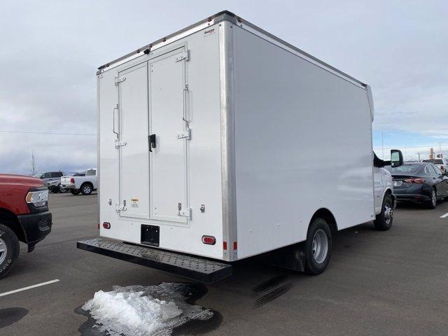 2020 GMC Savana 3500 4x2, Supreme Cutaway Van #G065480 - photo 1