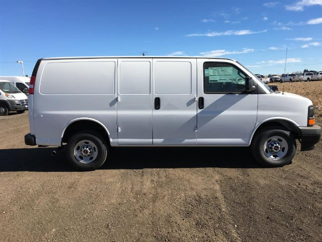 2017 Savana 2500 Cargo Van #G794998 - photo 6