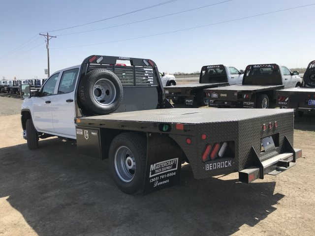 2018 Sierra 3500 Crew Cab DRW 4x4, Platform Body #G8233202 - photo 2