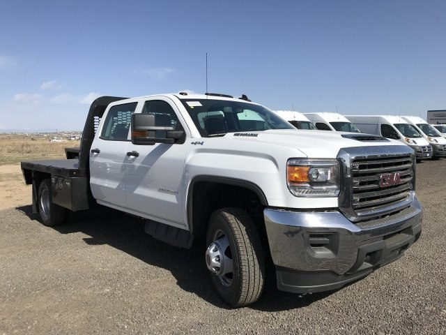 2018 Sierra 3500 Crew Cab DRW 4x4, Platform Body #G833102 - photo 15