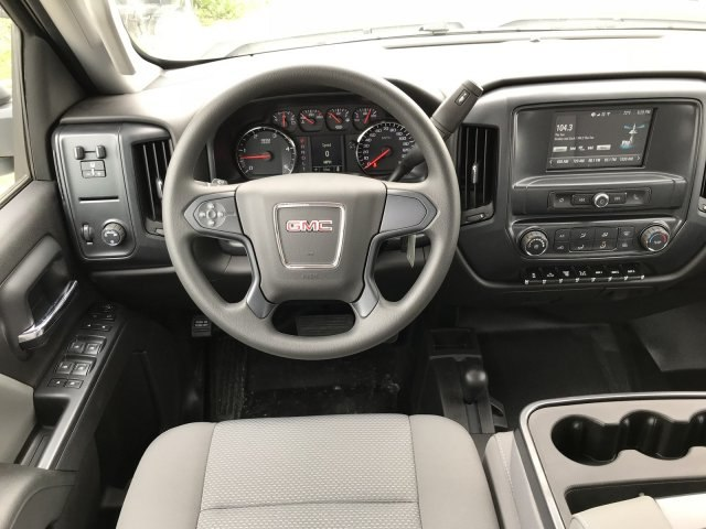 2018 Sierra 3500 Crew Cab DRW 4x4, Platform Body #G834274 - photo 8