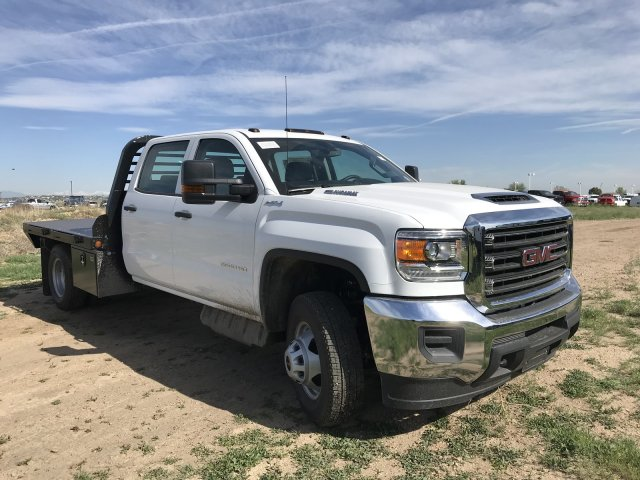 2018 Sierra 3500 Crew Cab DRW 4x4, Platform Body #G835412 - photo 4