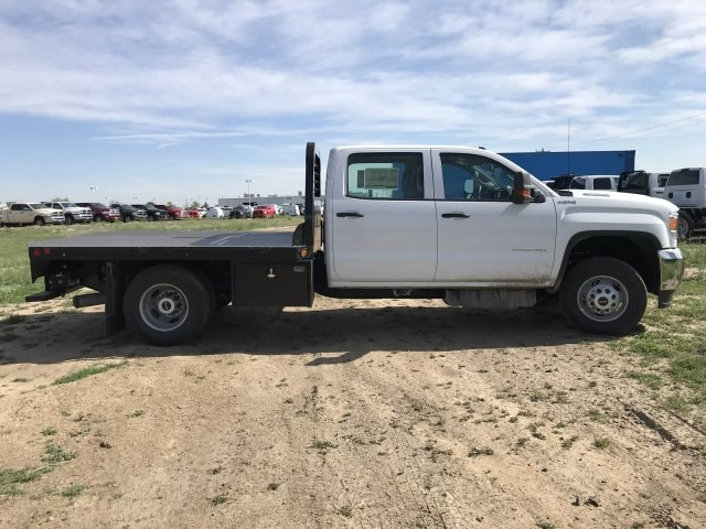 2018 Sierra 3500 Crew Cab DRW 4x4, Platform Body #G835412 - photo 5