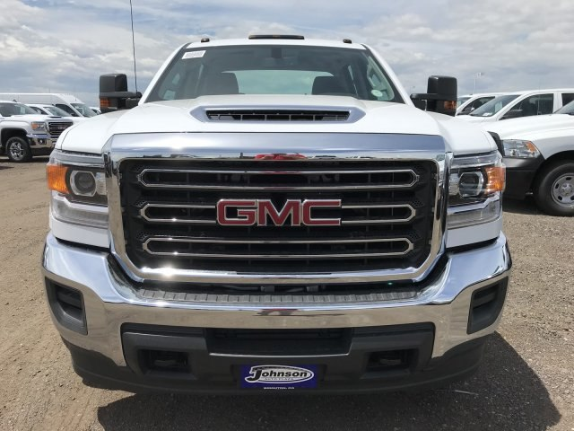 2018 Sierra 3500 Crew Cab DRW 4x4,  Cab Chassis #G867993 - photo 3
