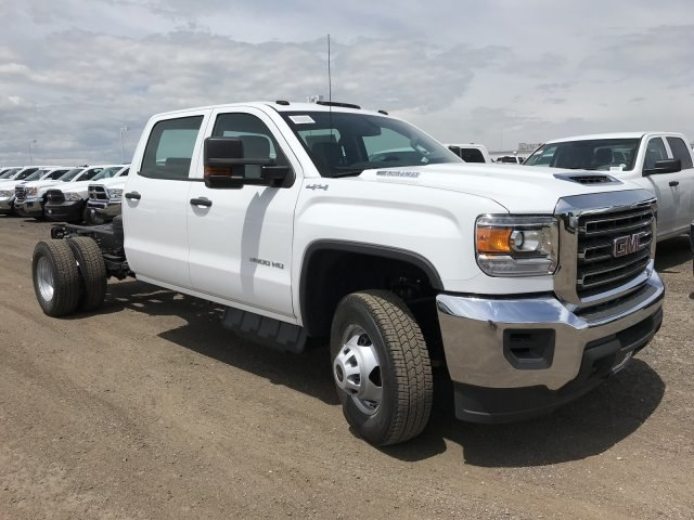 2018 Sierra 3500 Crew Cab DRW 4x4,  Cab Chassis #G867993 - photo 4
