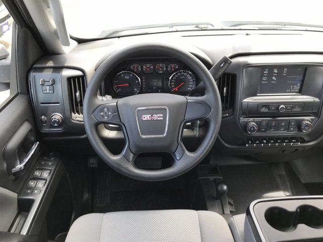 2018 Sierra 3500 Crew Cab DRW 4x4,  Cab Chassis #G868081 - photo 7