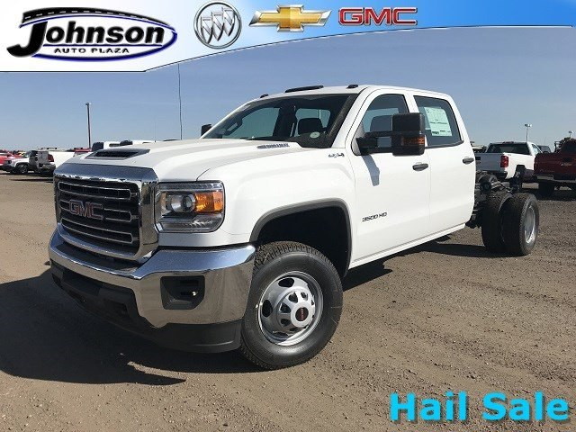 2018 Sierra 3500 Crew Cab DRW 4x4,  Cab Chassis #G869781 - photo 1