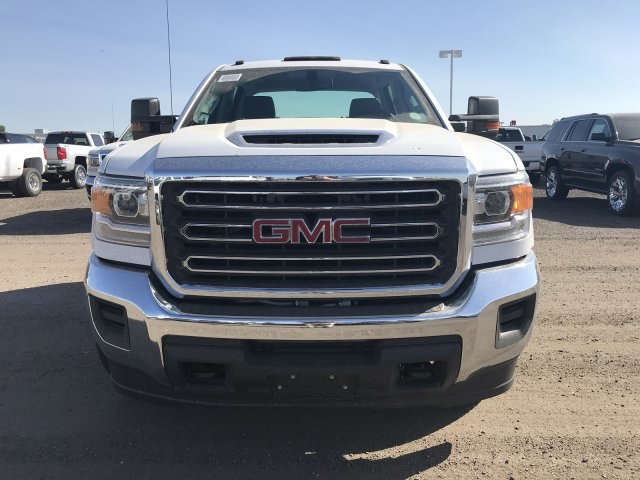 2018 Sierra 3500 Crew Cab DRW 4x4,  Cab Chassis #G869781 - photo 3