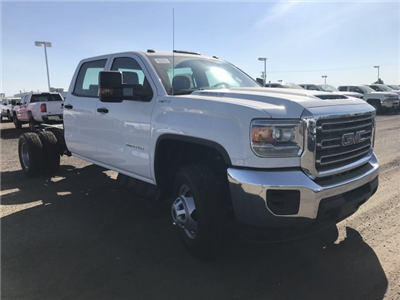 2018 Sierra 3500 Crew Cab DRW 4x4,  Cab Chassis #G869781 - photo 4