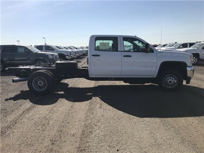 2018 Sierra 3500 Crew Cab DRW 4x4,  Cab Chassis #G869781 - photo 5