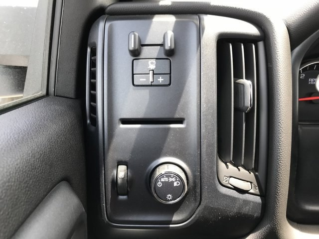 2018 Sierra 3500 Crew Cab DRW 4x4,  Cab Chassis #G869873 - photo 15