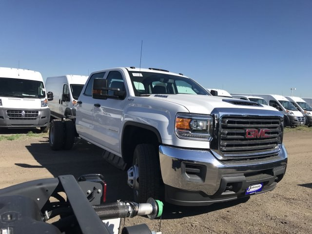 2018 Sierra 3500 Crew Cab DRW 4x4,  Cab Chassis #G870588 - photo 4
