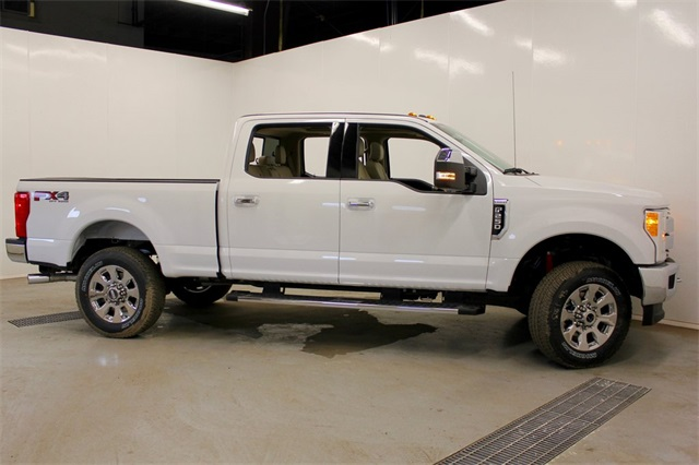 2017 F-250 Crew Cab 4x4, Pickup #JF17304 - photo 4