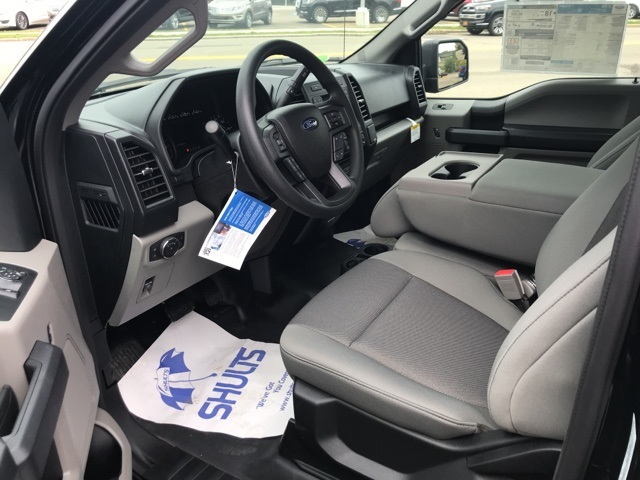 2018 F-150 Regular Cab 4x4,  Pickup #JF18196 - photo 4