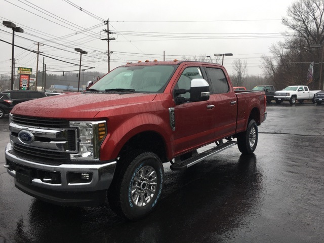 2018 F-250 Crew Cab 4x4, Pickup #JF18239 - photo 1