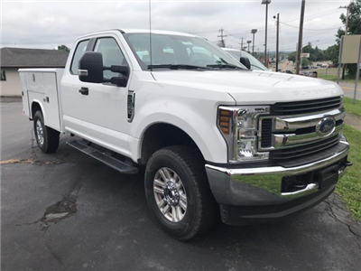 2018 F-350 Super Cab 4x4,  Reading Classic II Steel Service Body #JF18358 - photo 3