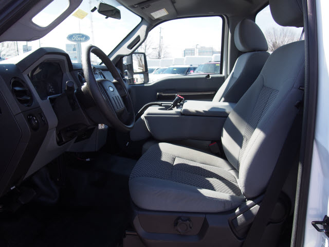 2016 F-250 Regular Cab 4x4, Pickup #245509 - photo 28