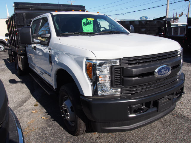 2017 F-350 Crew Cab DRW 4x4 Stake Bed #257801 - photo 3
