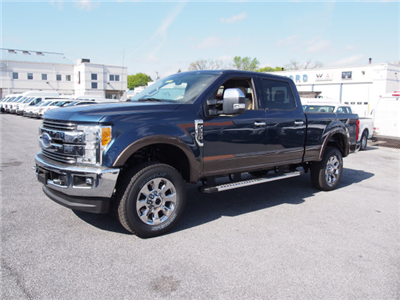 2017 F-250 Crew Cab 4x4 Pickup #258788 - photo 1