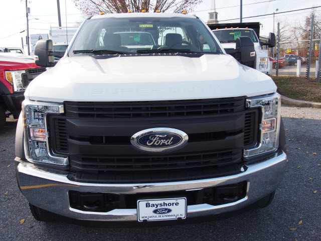 2017 F-450 Regular Cab DRW, Reading Service Body #262640 - photo 4