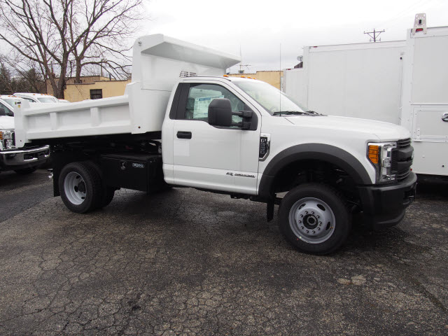 2017 F-550 Regular Cab DRW 4x4, Rugby Dump Body #263664 - photo 3