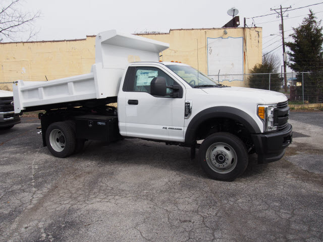 2017 F-550 Regular Cab DRW 4x4, Rugby Dump Body #263745 - photo 3