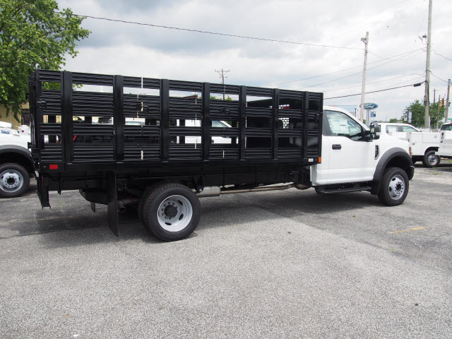 2018 F-550 Regular Cab DRW 4x2,  Swampy Hollow Truck Bodies Stake Bed #264588 - photo 2