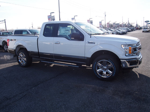 2018 F-150 Super Cab 4x4, Pickup #264792 - photo 3