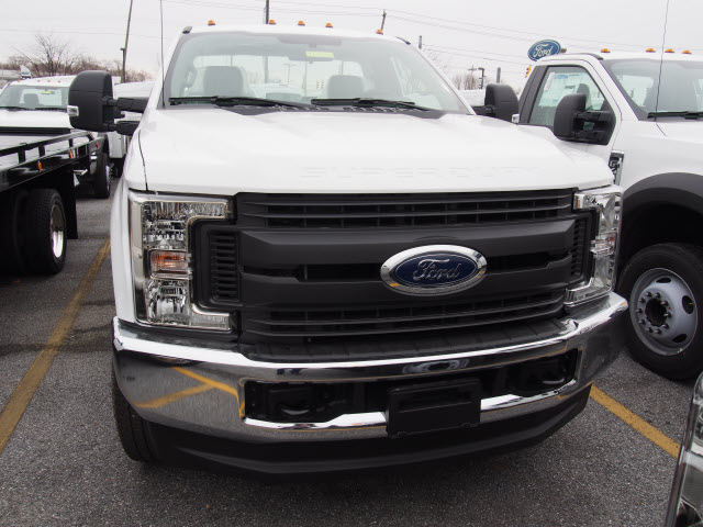 2017 F-250 Regular Cab 4x4, Reading Service Body #265048 - photo 3
