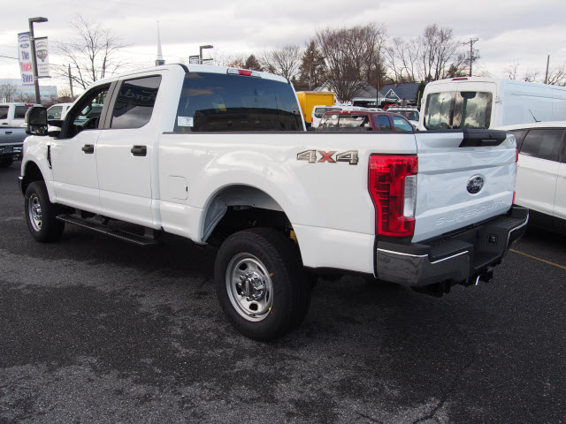 2018 F-350 Crew Cab 4x4, Pickup #265476 - photo 2