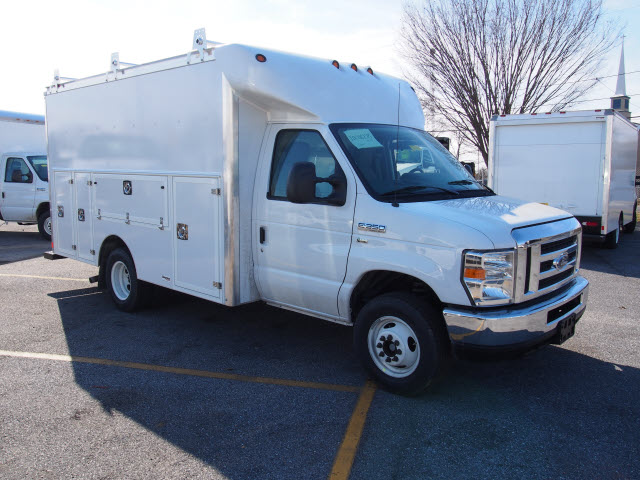 2018 E-350, Supreme Service Utility Van #265535 - photo 4