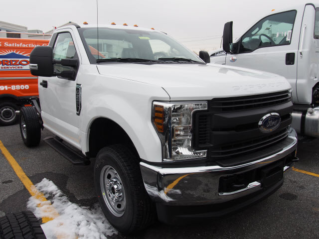 2018 F-250 Regular Cab 4x4, Cab Chassis #266475 - photo 3