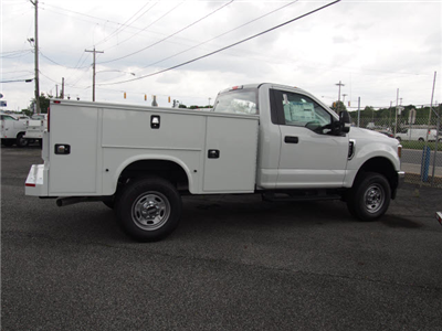 2018 F-250 Regular Cab 4x4, Cab Chassis #266475 - photo 2