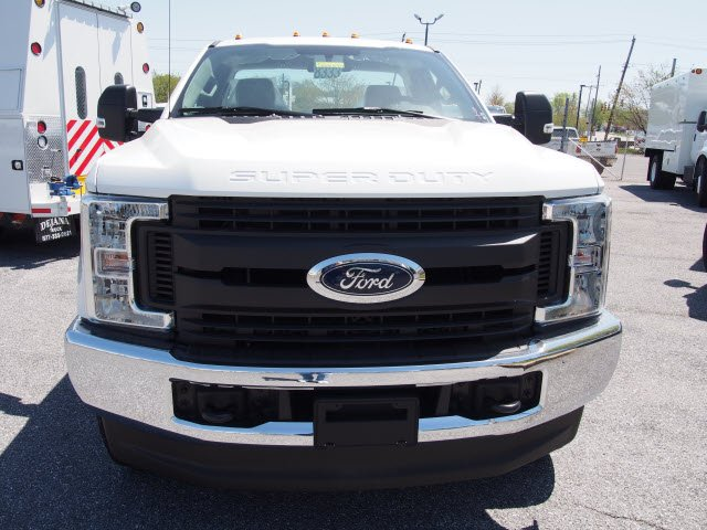 2018 F-350 Regular Cab 4x4,  Reading Service Body #266640 - photo 5