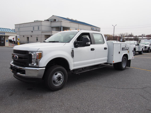 2018 F-350 Crew Cab DRW 4x4,  Reading Classic II Steel Service Body #266956 - photo 1