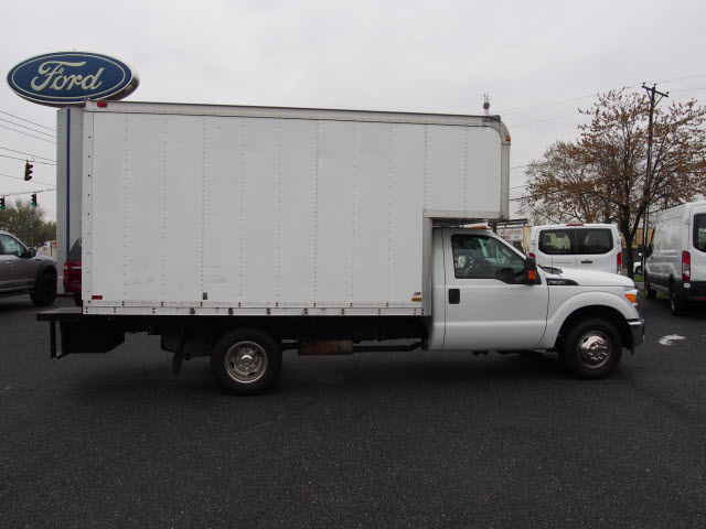 2016 F-350 Regular Cab DRW, Cab Chassis #267430 - photo 3