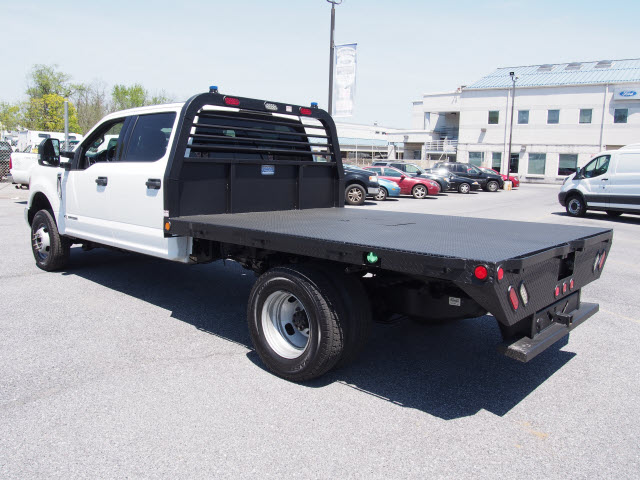 2017 F-350 Crew Cab DRW 4x4, Platform Body #267634 - photo 6